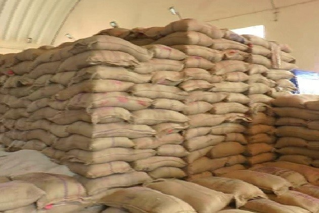 મોડાસા એપીએમસીમાં ઘઉંના ટેકાના ભાવે નહિ વેચાતા ખેડૂતો નારાજ