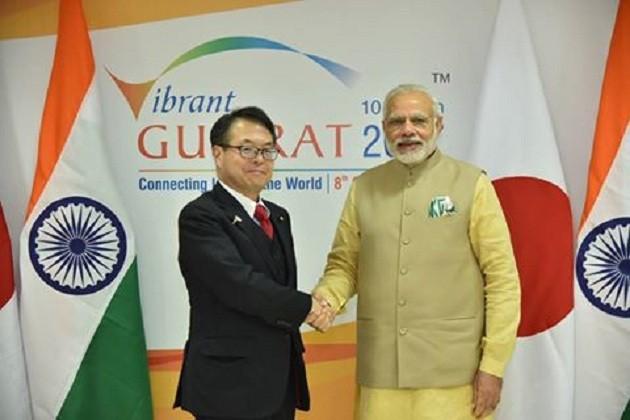 વડાપ્રધાન નરેન્દ્ર મોદીએ વાઇબ્રન્ટ ગુજરાત સમિટ 2017ના ઉદઘાટન પૂર્વે જાપાનના હિરોશી સાથે પણ ખાસ મુલાકાત કરી હતી.
