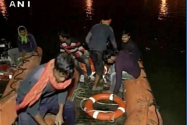 પટણાઃજોતજોતામાં નદીમાં ડૂબી ગઇ 24 જીંદગી,પીએમએ કરી સહાય જાહેર