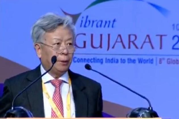 એશિયન ઇન્ડસ્ટ્રીયલ બેંકના લિંગમેને કહ્યું કે, ભારત એક મોટો અને મહત્વનો દેશ છે કે જે અમારો સભ્ય છે. ભારત સાથે કામ કરવામાં આનંદની લાગણી થઇ રહી છે. એઆઇઆઇઇ એ ઝડપથી વિકસતી બેંક છે. હું મુખ્યમંત્રીને ખાતરી આપુ છું કે ગુજરાતમાં ઇન્ફાસ્ટ્રક્ચર ક્ષેત્રે રોકાણ કરીશું.