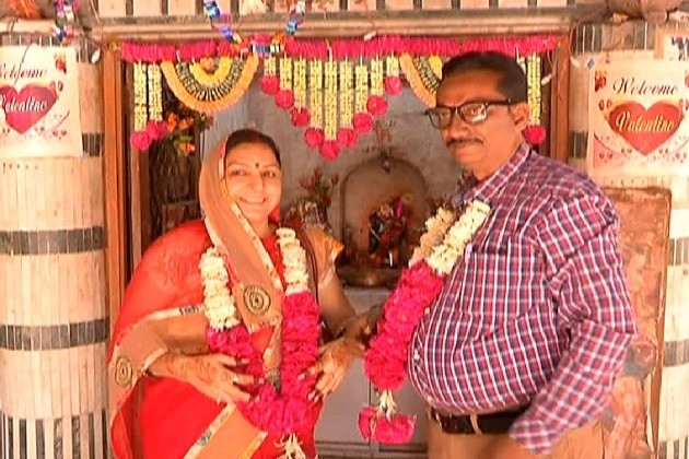અમદાવાદના વેલેન્ટાઇન હનુમાનઃ 11 હજાર પ્રેમીઓના કરાવી ચુક્યા છે લગ્ન