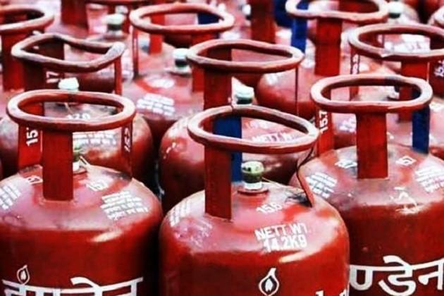 ગેસ સિલિન્ડરમાં છ મહિનામાં 270 રૂપિયા ભાવ વધારો થયો, કોંગ્રેસ સંસદમાં ઉઠાવશે મુદ્દો