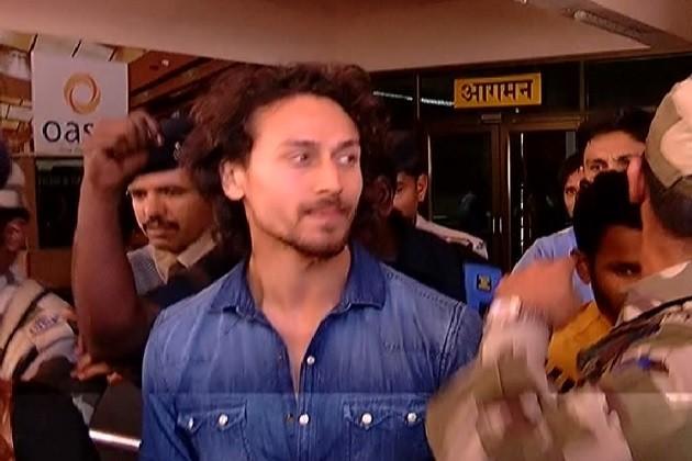 IPL:રાજકોટમાં ઓપનિંગ સેરેમનીમાં ગવાશે ગુજરાતી દુહાછંદ,ટાઇગર-સિંગર ભૂમિ પહોચ્યા