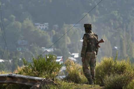 કશ્મીરનાં ગુલમર્ગનાં રસ્તામાં ઘુસ્યા આતંકવાદીઓ,નિશાને સેના-પોલીસ