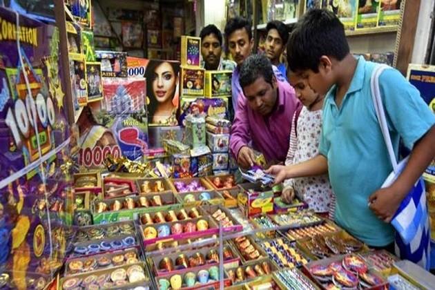 દિલ્હીમાં 1 નવેમ્બર સુધી ફટાકડાનાં વેચાણ પર પ્રતિબંધ યથાવત: SC