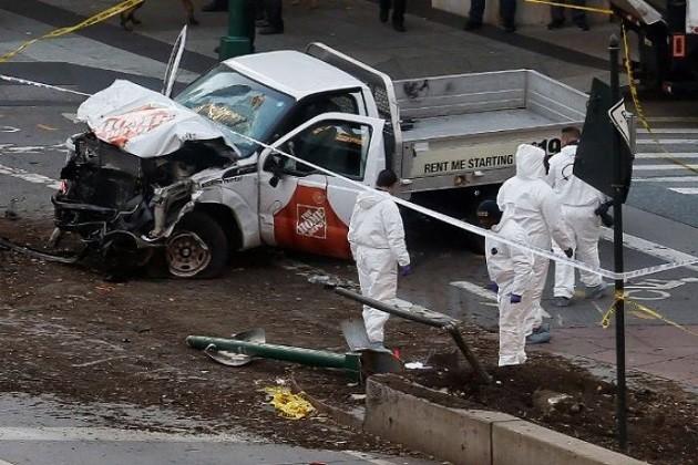 અમેરિકામાં આતંકી અટેક: અલ્લાહ-હો-અકબરનાં નારા સાથે આતંકીએ ફેરવી ટ્રક, 8નાં મોત